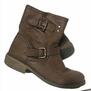 Size 9 Brown Double Buckle Ankle Boots